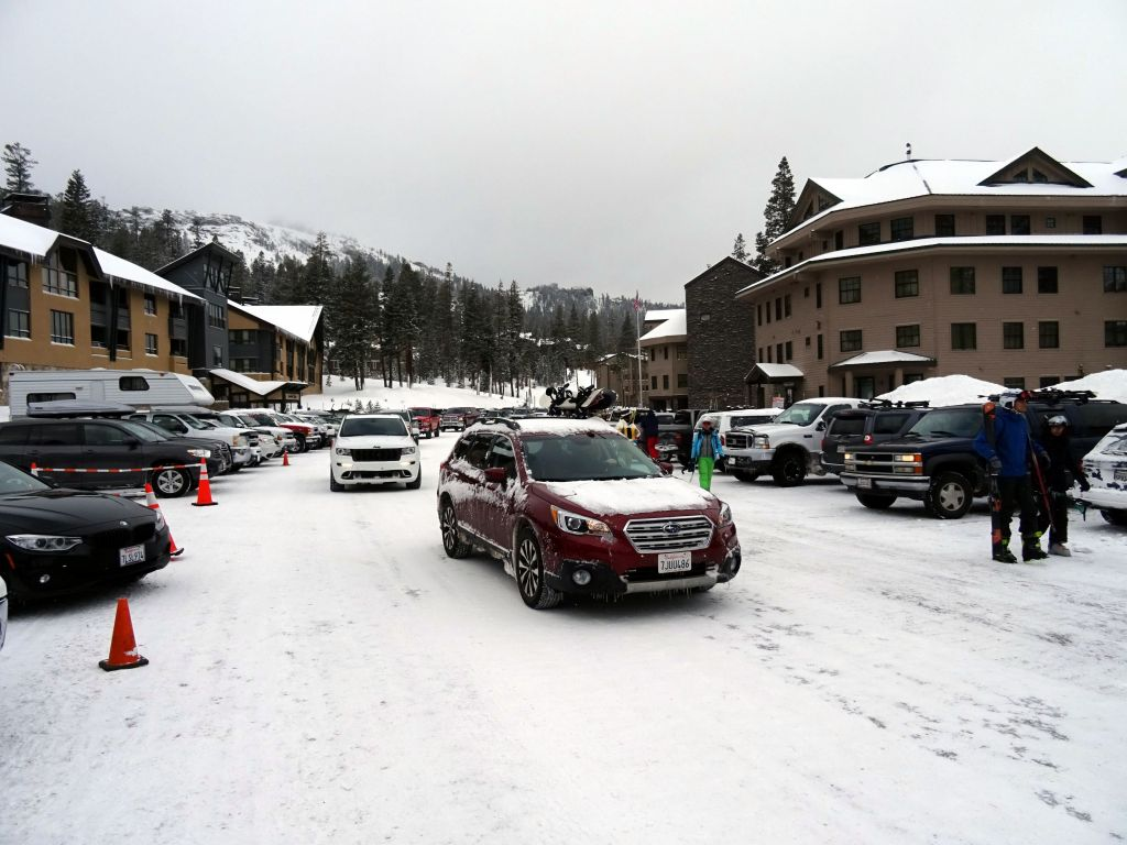 plenty of cars and people were there by the time we arrived, way before the lifts opened