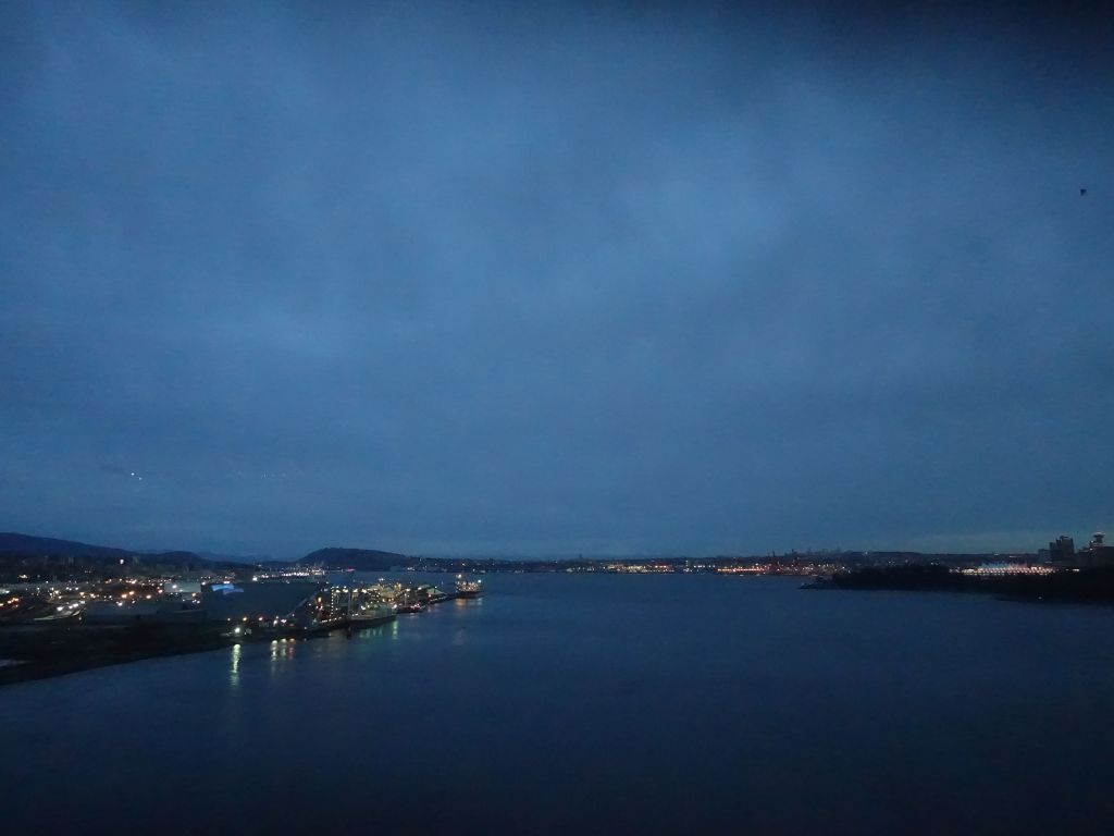 Early sunset on the bus ride to Whistler