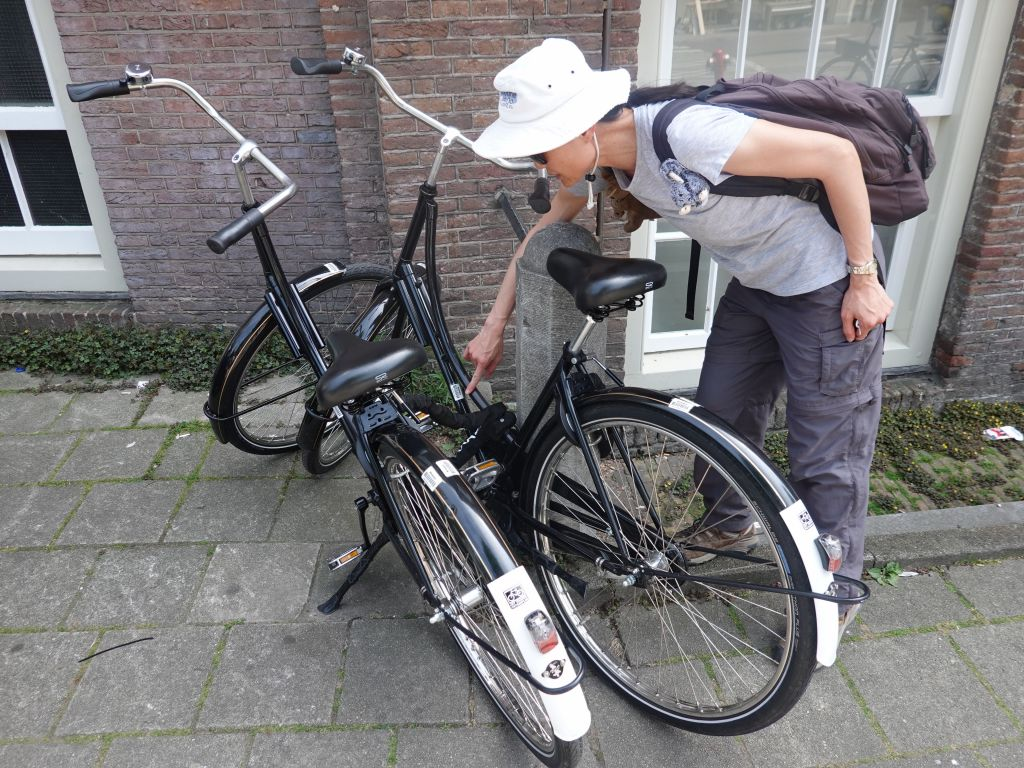 we took basic Dutch bikes, which were a bit too tall for Jennifer