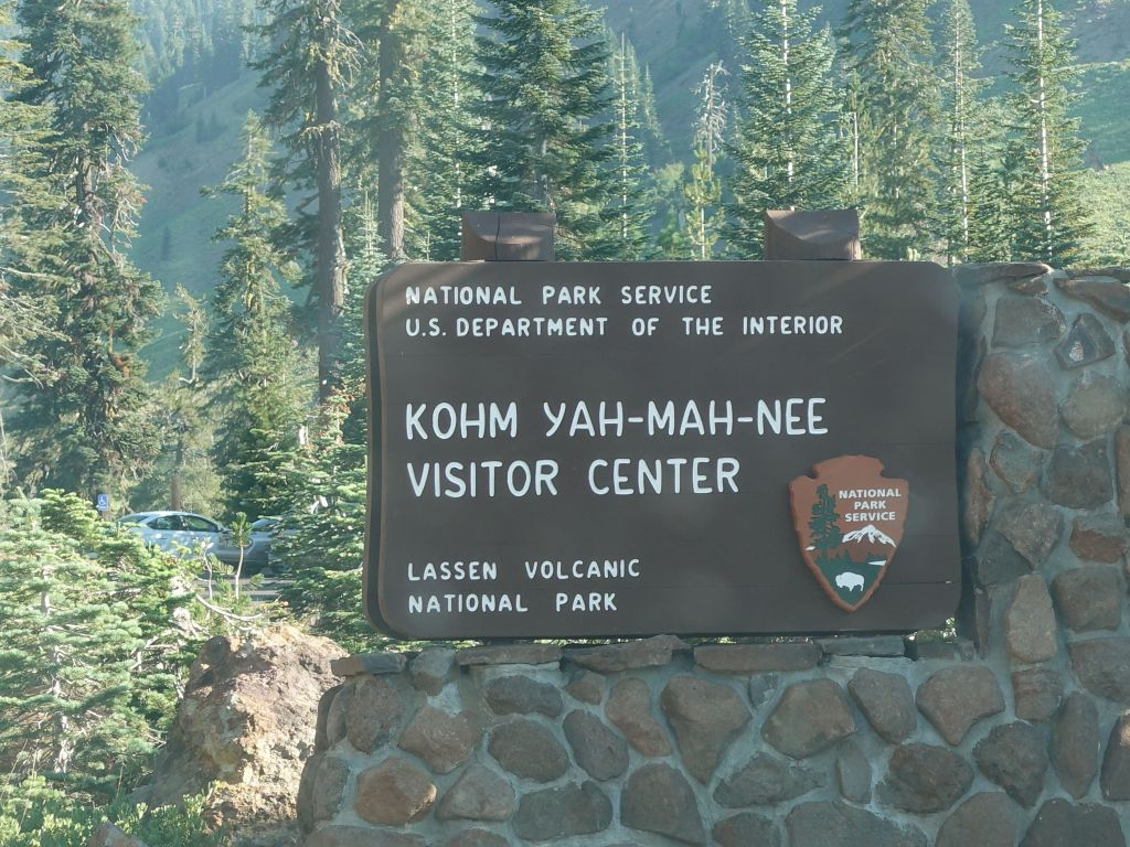 we arrived by the visitor center smack when it opened (09:00).