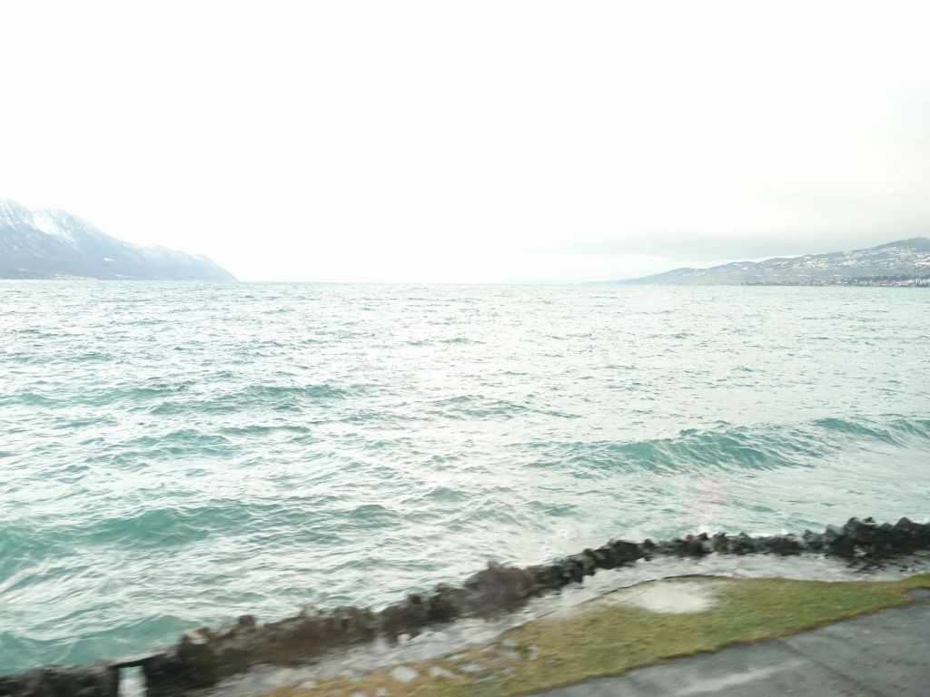 finally made it to Lausanne, not the best lake view ever :)
