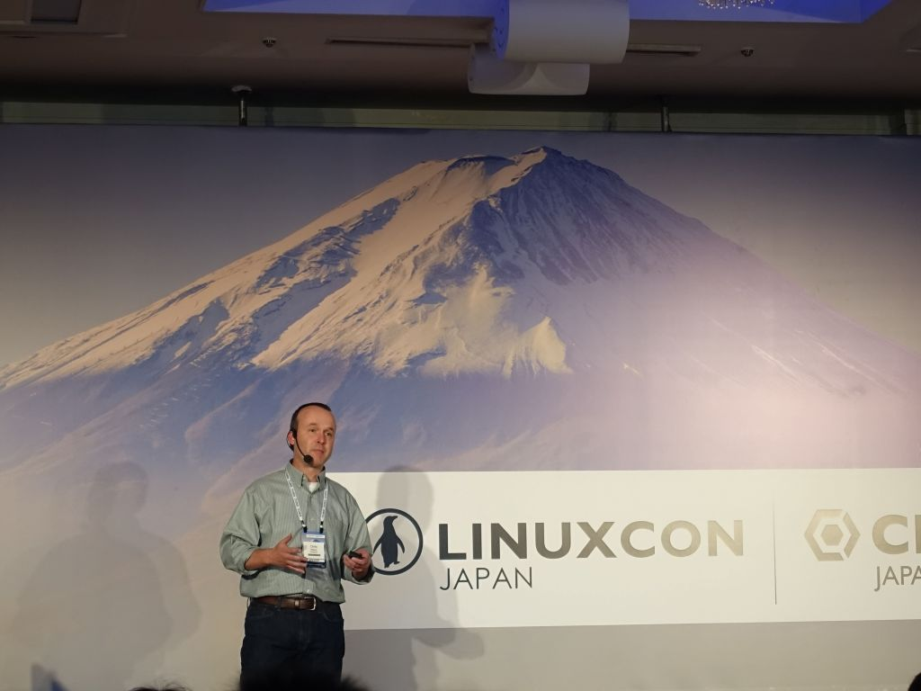 use of linux at Facebook by Chris Mason