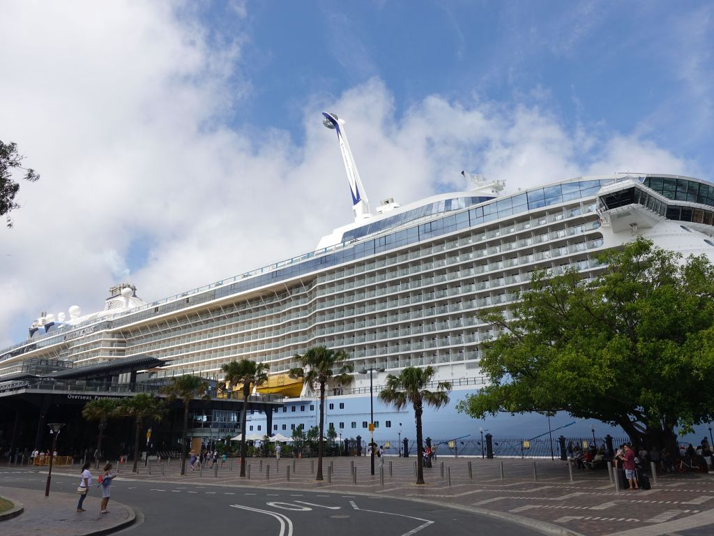 circular quay can host huge cruise ships