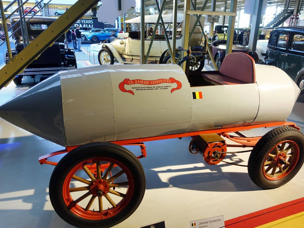 This electric 'car' was the fastest one in the world in 1899*, at 105kph