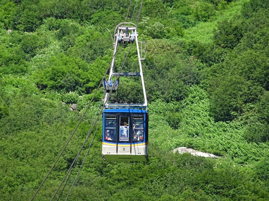 then we connected to the ropeway after a very quick 10mn stop to take a few pictures