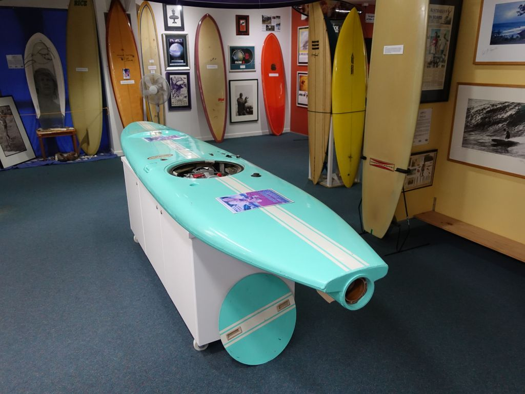 motor surf board, cool :)