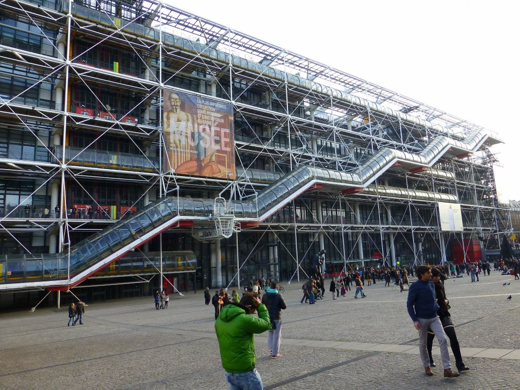 Started from centre pompidou, with a silly long line we avoided