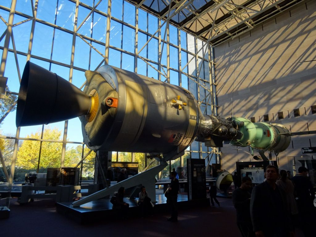 US and Russian capsule rendez-vous