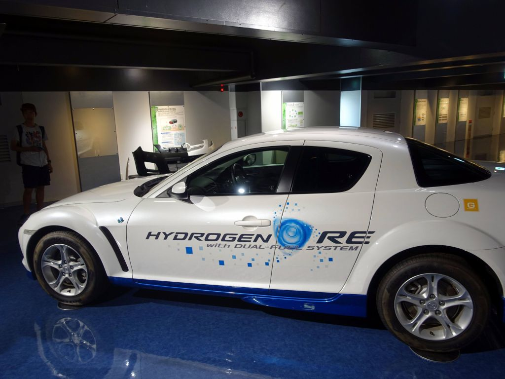 dual fuel: hydrogen and gasoline, interesting...