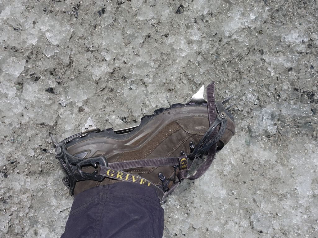 we got nice crampons to walk on the ice