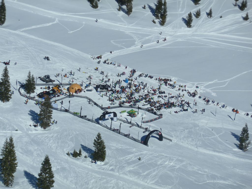 People watching the big skiier contest