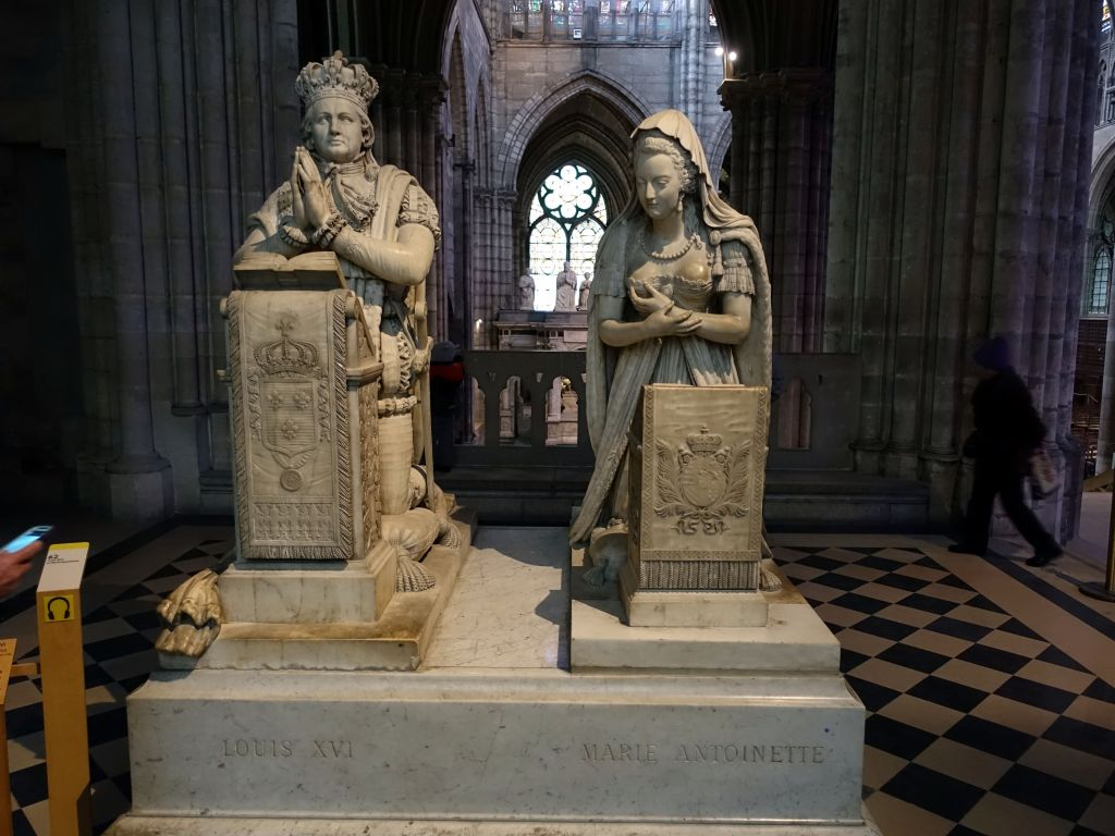 the last french king and his wife, who both got beheaded for their troubles :)