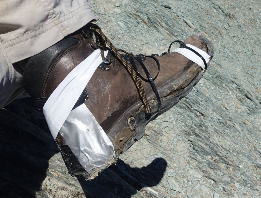 my boot didn't look great, but it worked for the rest of the hike