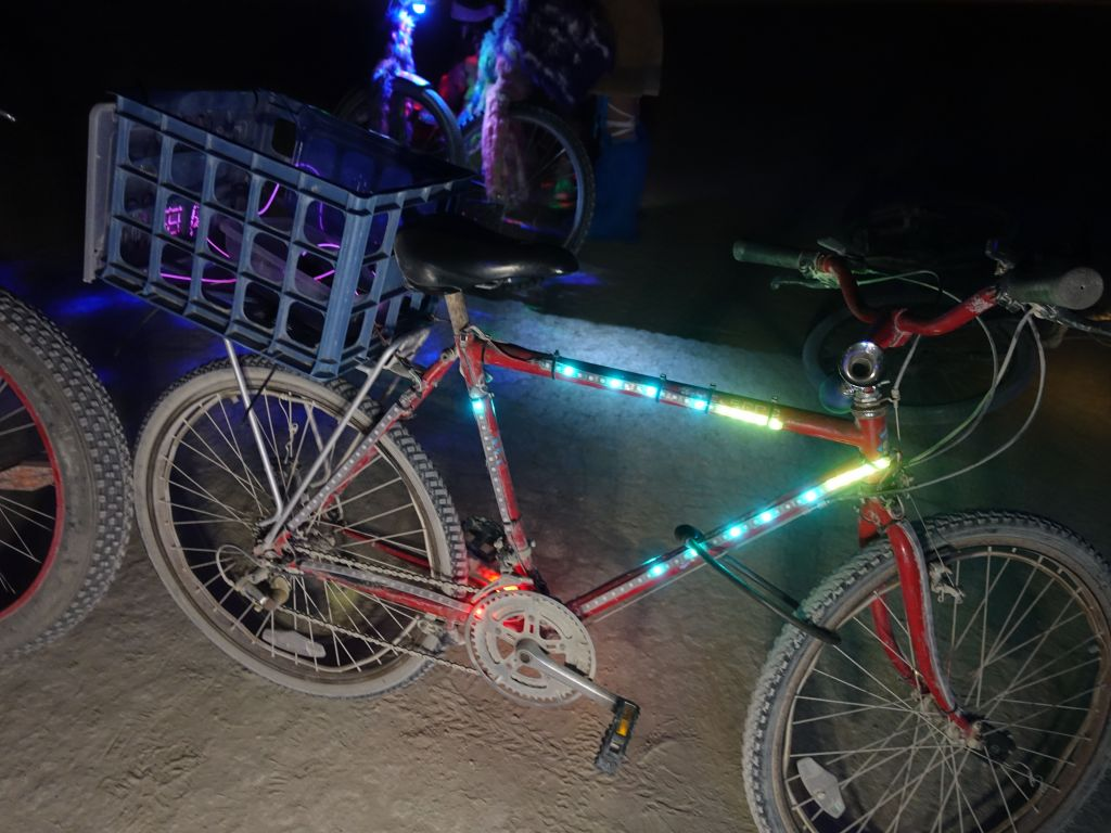 nice to see neopixels on a bike