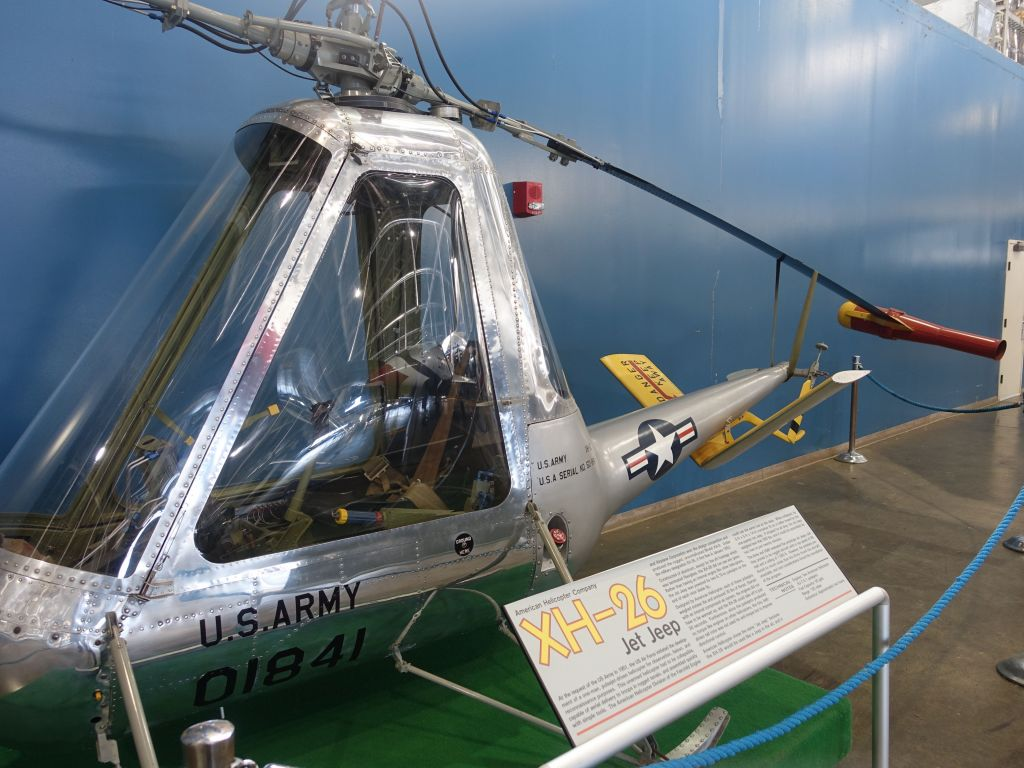 This XH-26 Jet Jeep uses pulsejets to turn the main rotor. It was demeed too noisy though.