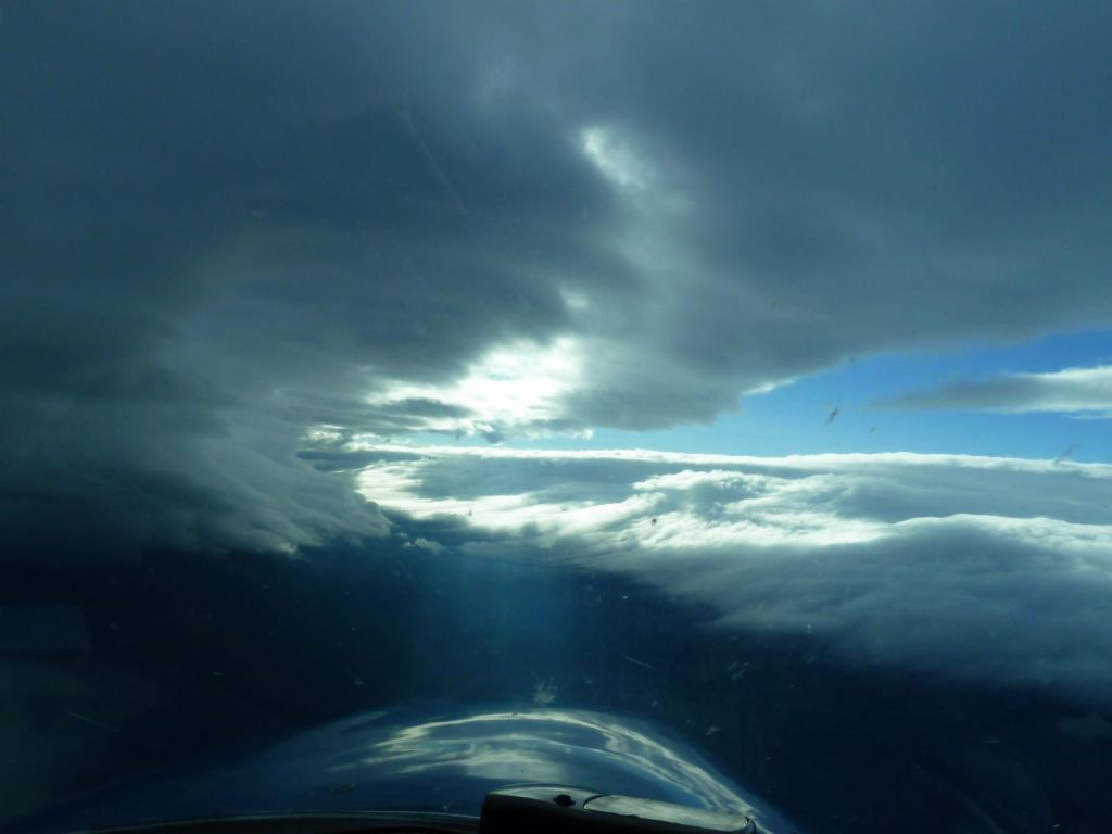 while in our way, the cloud made a nice wave, like surfing inside a crashing wave (this was just as we turned west)