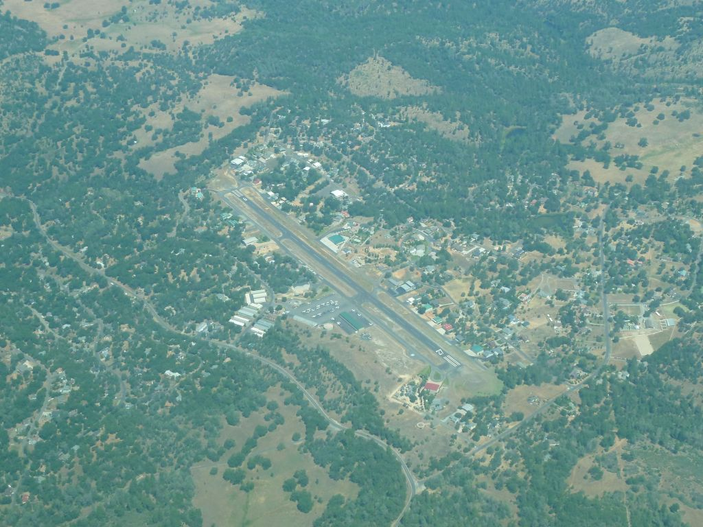 Pine Mountain Lake Airport