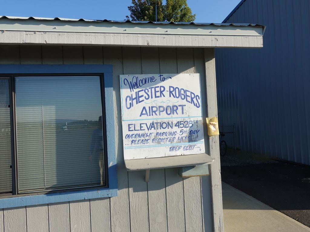 and finally landed at Chester/Rogers airport, from where we had a rental car waiting, and we drove back up (1h) to Lassen