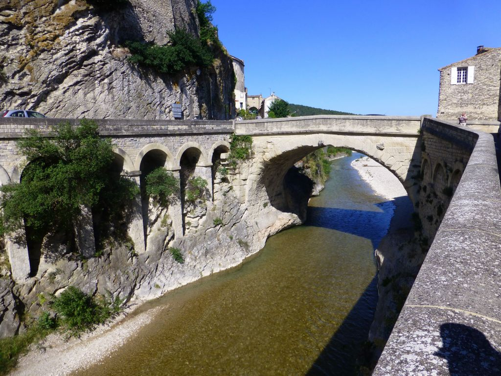 this is an ancient (2000 years old) bridge