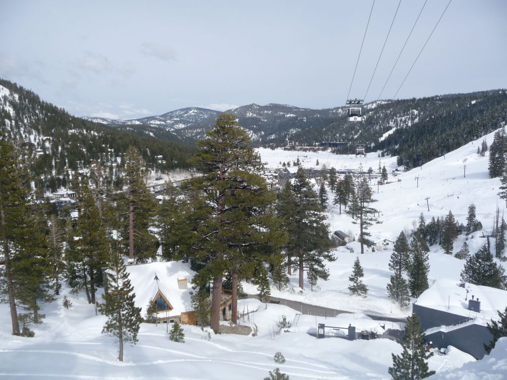 I took the line down between the gondola and cable car. A bit low on snow, but more scenic and different