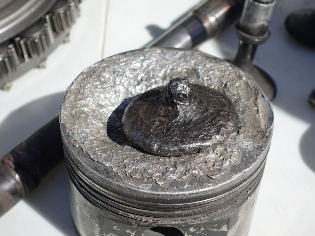 valve that fell into a piston and melted