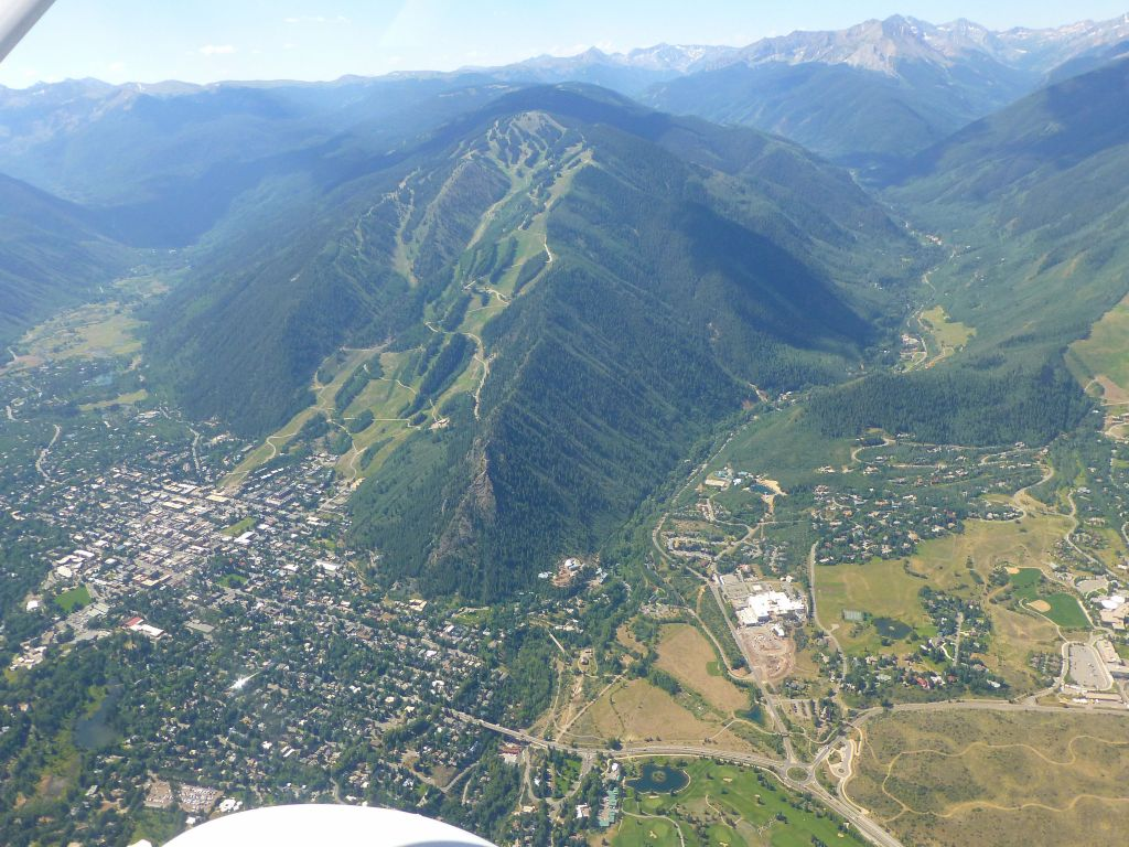 Aspen/Ajax Mountain and the town of Aspen